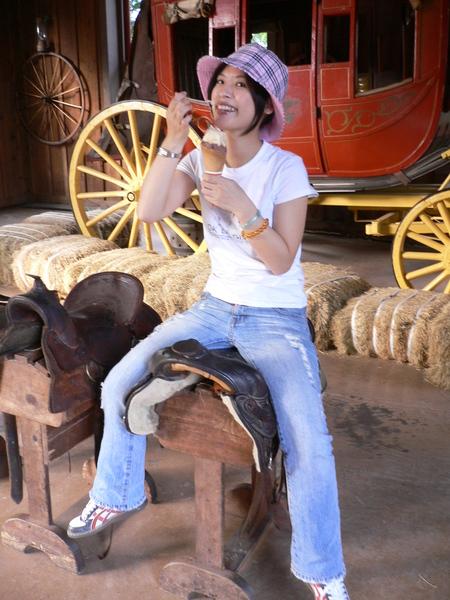 坐在馬鞍上的我據說腿看起來很長 哈哈