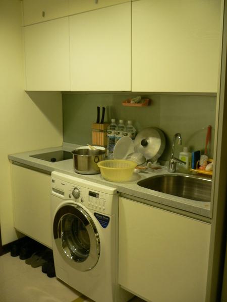 廚房+洗脫烘洗衣機