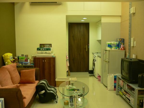 客廳 & 小廚房