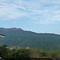 遠眺另一邊是陽明山