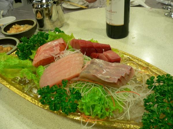 第一道是久違的生魚片