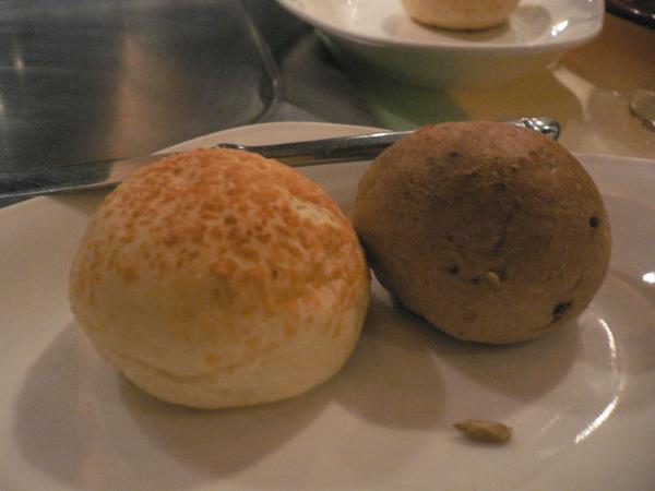 餐包 2 pieces ~ 奶油麵包 & 雜糧麵包