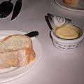 自製的麵包跟無敵好吃的法國諾曼第產的奶油