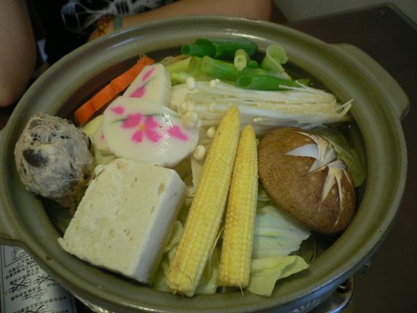 日式涮涮鍋~鋪滿滿的蔬菜