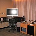 房間另一個角落的影音設備