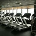 吃飽後到29F的健身房....純參觀