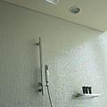 簡潔的淋浴設備