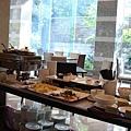 日式早餐與中式稀飯區