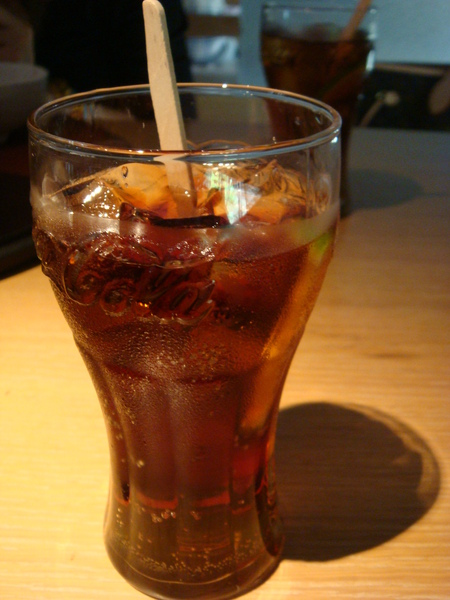 黑色含羞草...就加了梅子醋的可樂