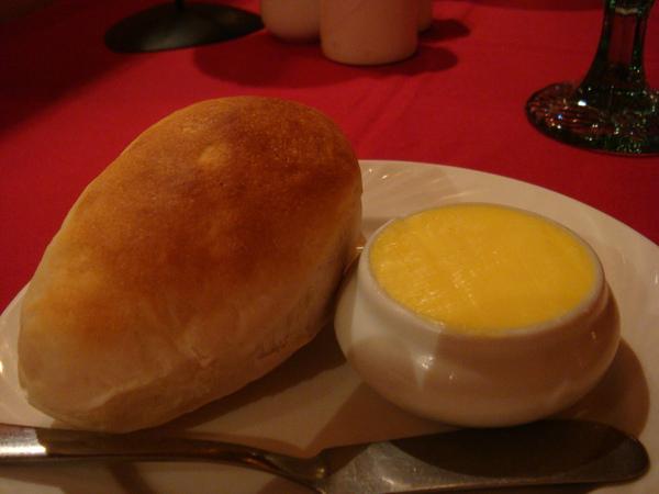 這麵包+奶油太好吃了!