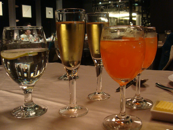 機尾酒和香檳