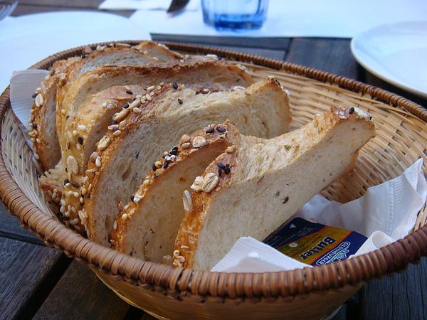 餐前麵包好香好柔軟