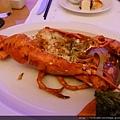 歡慶期間六人ㄧ桌就會送波士頓大龍蝦一隻