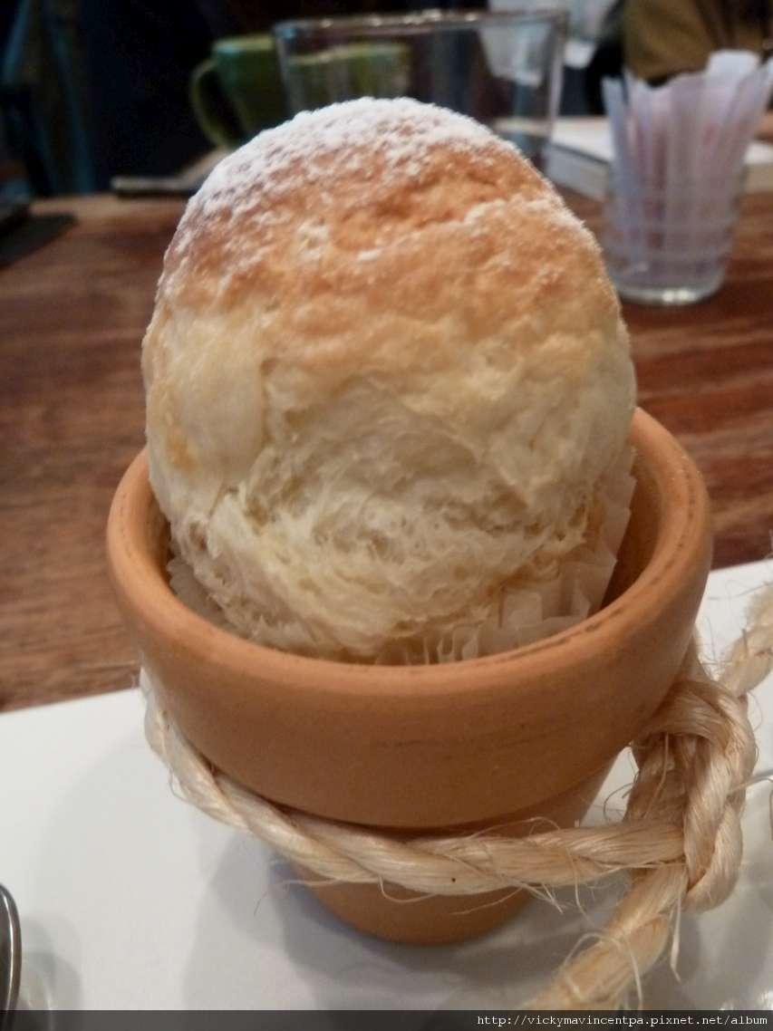 糖霜薑味麵包...薑味超濃的!!