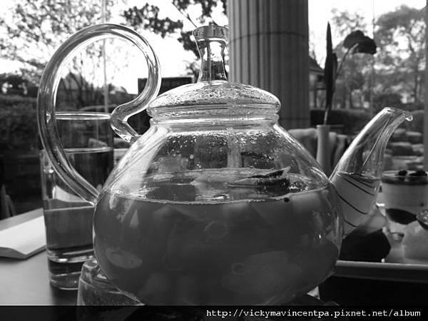 這茶壺可以搓出神燈巨人嗎? XD