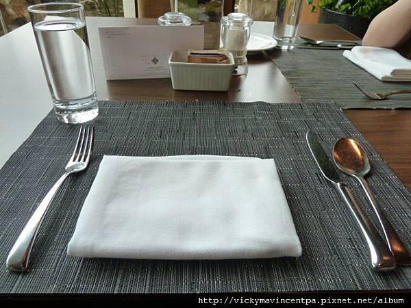 刀叉與餐巾