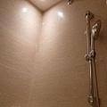 乾濕分離的淋浴間