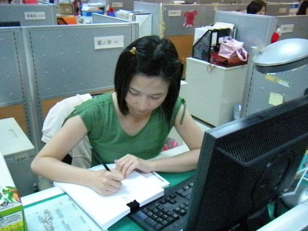 06_Jill回收紙再利用,以節省紙張.jpg