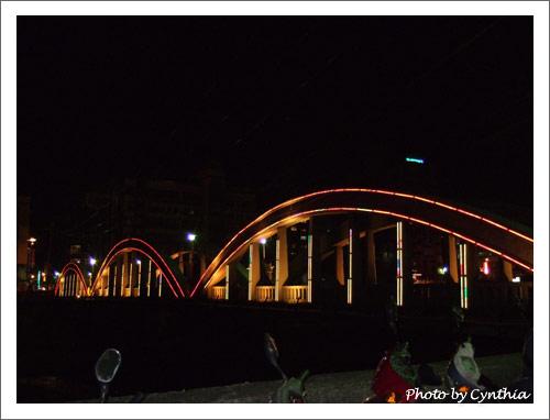 愈夜愈美麗的三峽舊橋