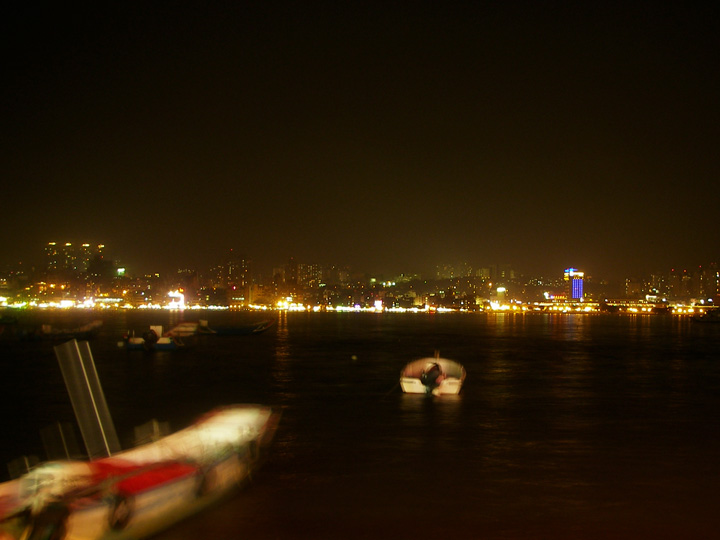 江邊燈火.jpg