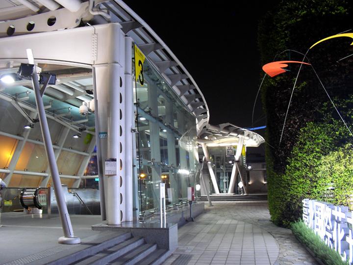 捷運松山機場.jpg