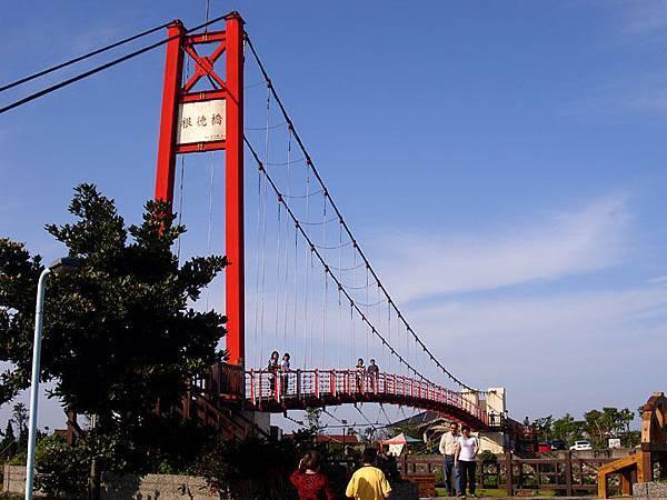 公園的橋.JPG