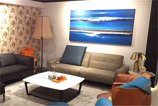 Rolf Benz 50 sofa (Victoria Worldwide Inc)