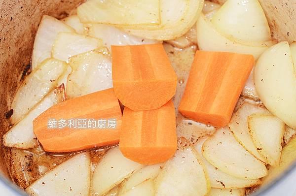 馬鈴薯燉肉-07.jpg