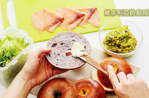 燻鮭酪梨貝果-06.jpg