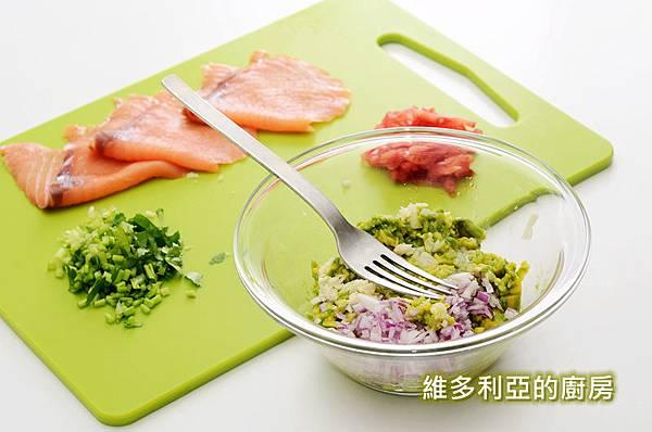 燻鮭酪梨貝果-05.jpg