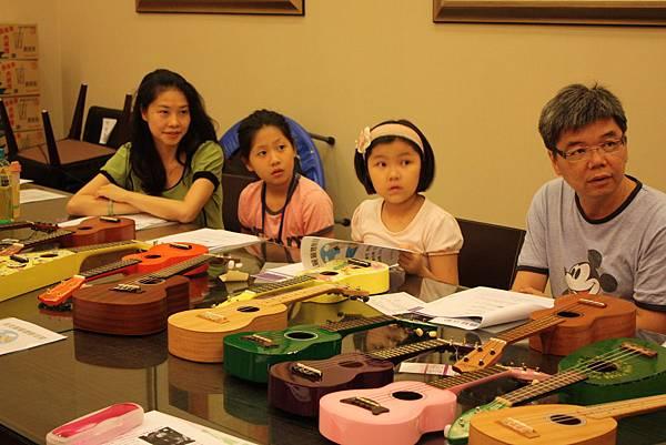 100年10月10日 上城社區ukulele體驗活動