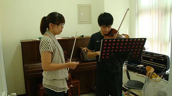 維克多音樂教室 學生上課實錄 小提琴