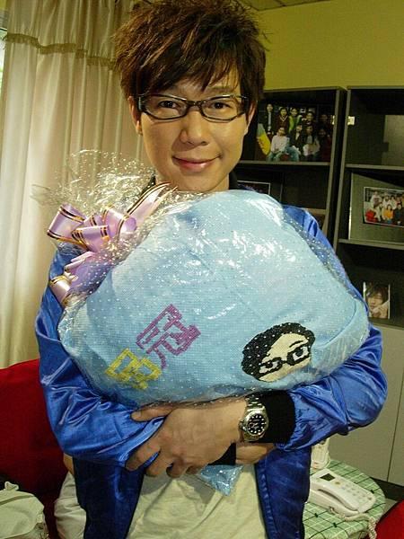 歌迷繡的抱枕