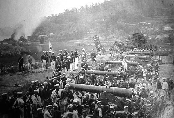 連合国によって占拠された長府の前田砲台.JPG