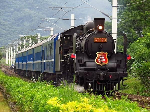 近年來,台鐵以蒸汽火車頭推出「仲夏寶島號」活動,卻被民眾投訴噪音和空污等問題.jpg