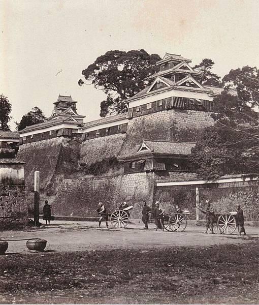 明治初期(1874年)の熊本城、富重利平の撮影による(維基共享).jpg