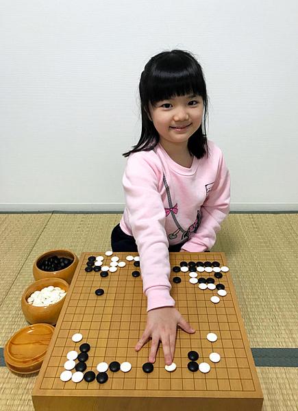 仲邑さん由我國旅日棋士張栩名人擔任鑑定棋力的主考官,並且獲得極高評價.png