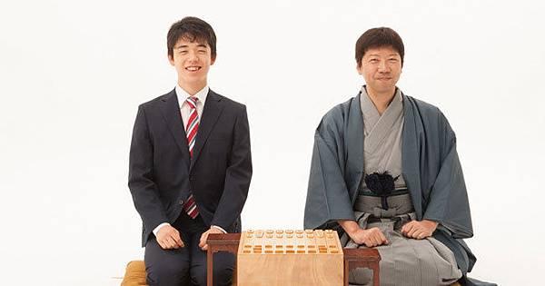 藤井七段與他的老師杉本昌隆七段.jpg