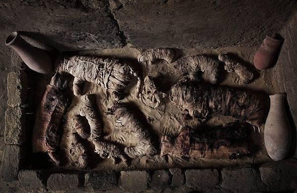 根據考古團隊的說法,這七座墓葬至少有著4,500年以上的悠久歷史.jpg
