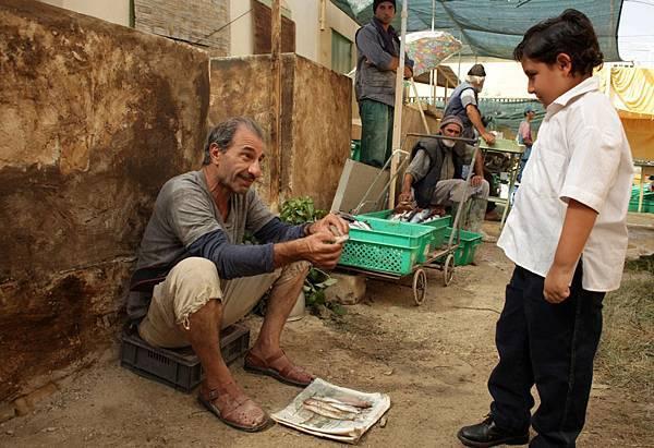【天外飛來一隻豬】歐洲電影節影帝賽森加拜,精湛演出巴勒斯坦憨傻的漁夫