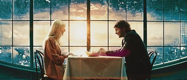 【顛倒世界】克絲汀鄧斯特和吉姆史特格斯克服引力談情說愛