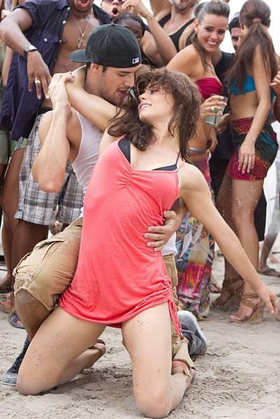 【舞力全開4 3D】電影裡有許多火辣的雙人舞碼