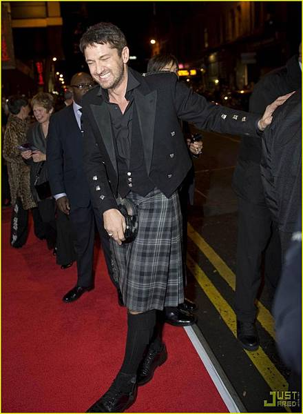 gerard-butler-kilt-law-abiding-citizen-glasgow-01.jpg