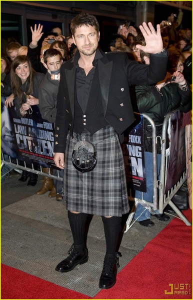 gerard-butler-kilt-law-abiding-citizen-glasgow-08.jpg