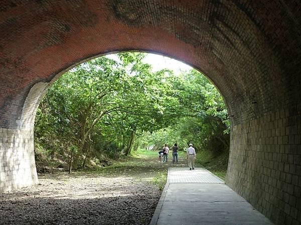 崎頂 子母隧道38