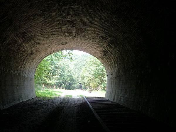 崎頂 子母隧道33