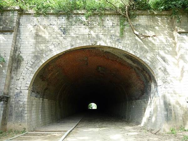 崎頂 子母隧道28