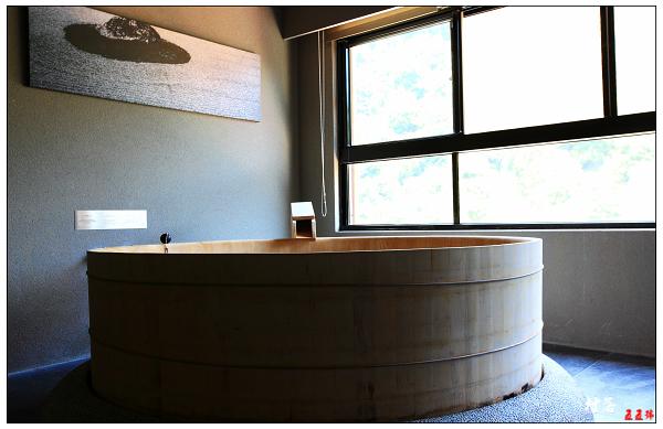 檜木浴池.JPG