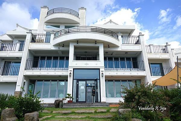 濟州西歸浦粉紅亂子草咖啡店 Manor Blanc 마노르블랑 (19).jpg