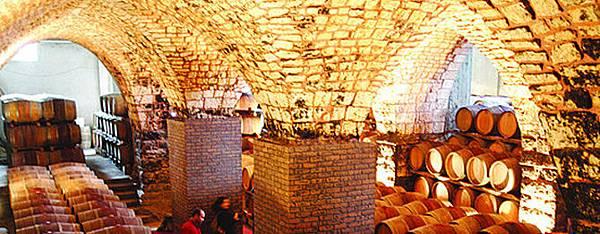 musar-cellar-670.jpg